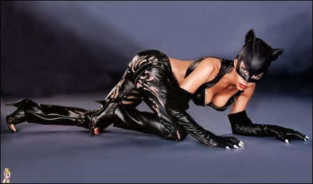 Halle-Berry-Catwoman