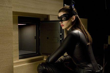 DarkKnightanne-hathawat-catwoman-selina-kyle-the-dark-knight-rises